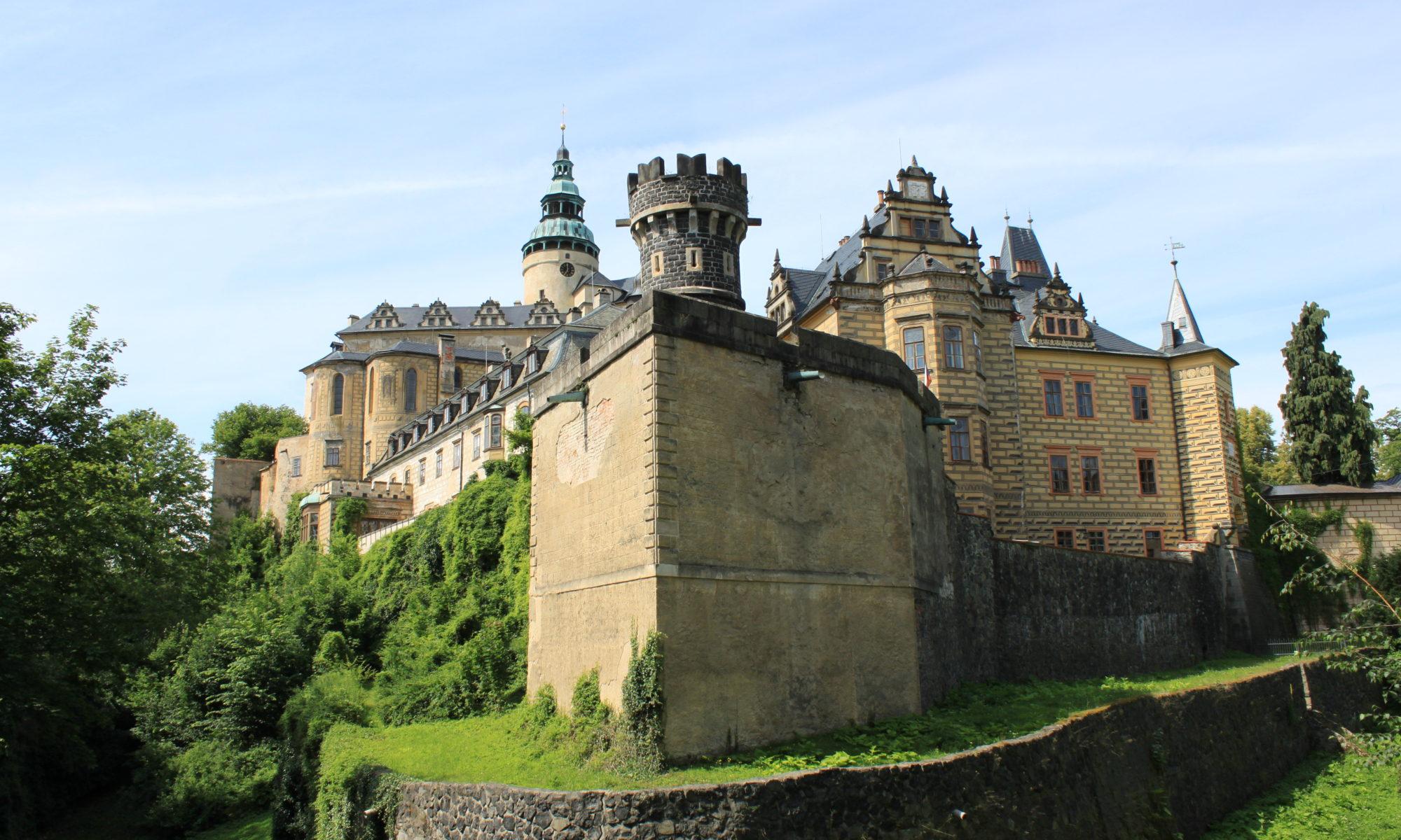 Hrad a zámek Frýland
